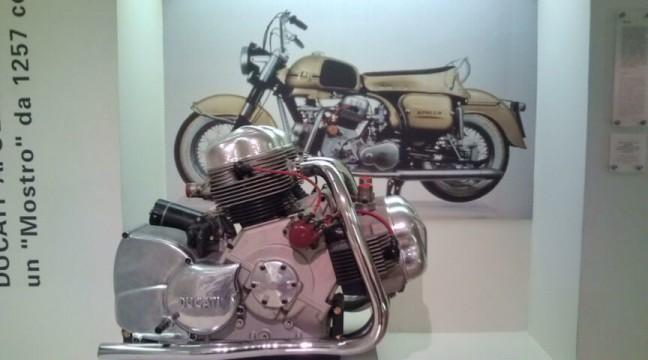 幻のバイク「アポロ」