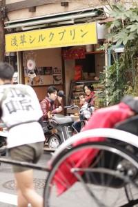 浅草シルクプリンと人力車