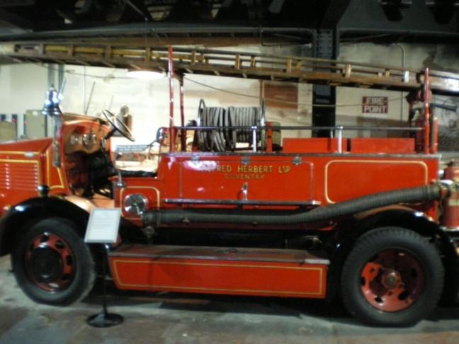 昔の消防車
