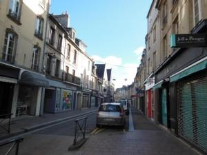 Caen郊外の町