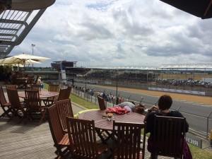 フランスの知人が用意してくれたVIP(テラス)席にてレースを観戦