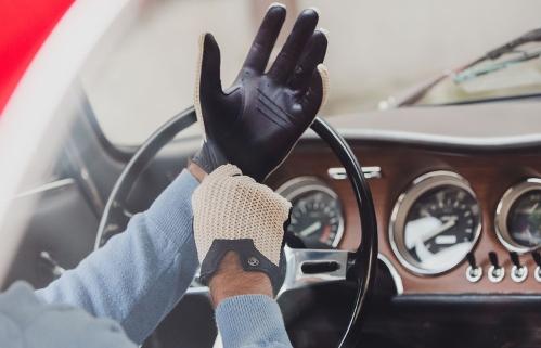 autodromo_glove_main_02