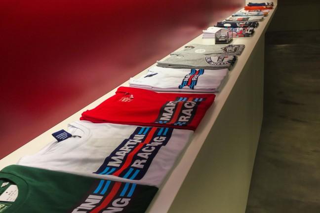 MARTINI各種Tシャツも取り揃え。ぜひお手にとってお確かめください